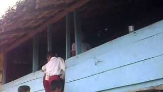 Sekolah di Gubuk atap Rumbia view on youtube.com tube online.