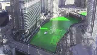 فيديو| تلوين نهر شيكاغو بمناسبة يوم القديس باتريك
