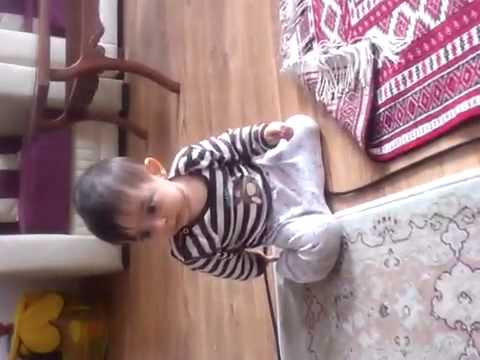 Very very cute kid obsessed with vacuum cleaner نى نى از جا