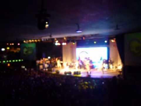 guto e dani no baile funk do Rio de janeiro .avi