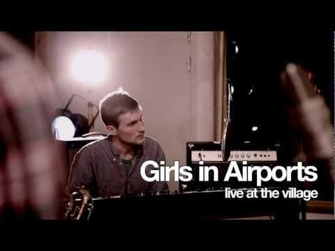 Girls in Airports - Transvestite