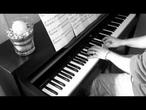 Ludovico Einaudi - Una Mattina (THE INTOUCHABLES / ZIEMLICH BESTE FREUNDE - OST Version)