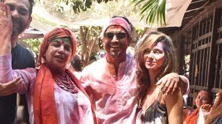 WATCH: Farhan Akhtar and Zoya Akhtar's GRAND Holi Celebrations with Many Celebs - HUNGAMA