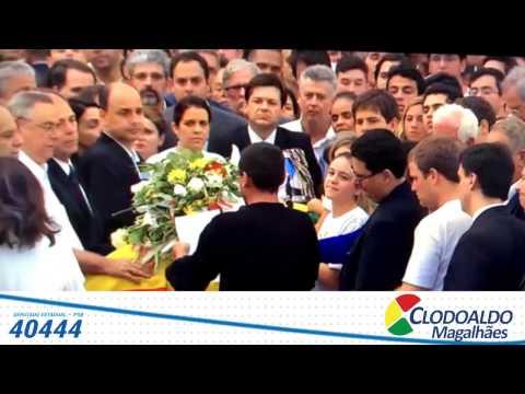 Homenagem do poeta Antônio Marinho, no velório de Eduardo Campos