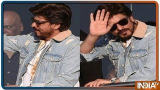 Shah Rukh Khan makes heads turn at Kolkata Knight Riders vs Sunrisers Hyderabad IPL match - INDIATV