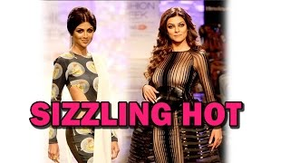 Sushmita Sen and Shilpa Shetty's HOT ramp walk! | Bollywood News
