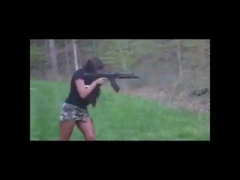 شاهد تطلق النار بدقه عاليه وقوه ,, Girl shoot