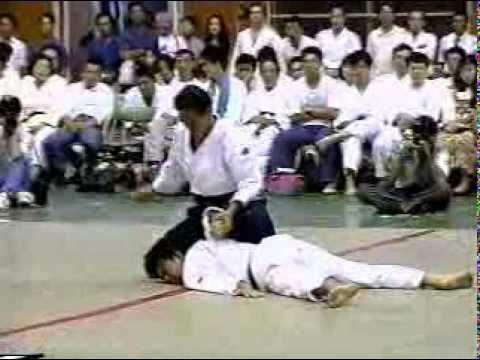Excellent Aikido Demonstration -jXBudD_z6No
