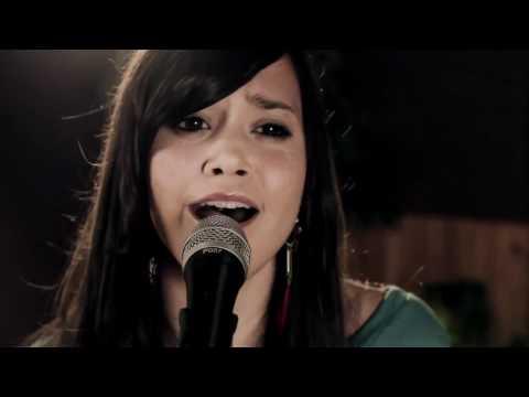 Skyscraper - Demi Lovato (Boyce Avenue feat. Megan Nicole acoustic cover)
