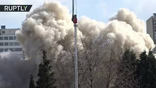 'White Giant' + 290kg of explosives: Skyscraper demolition in Germany - RUSSIATODAY