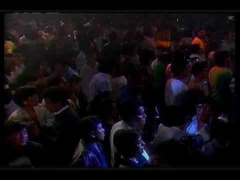Selena Quintanilla Baila Esta Cumbia ( Live )