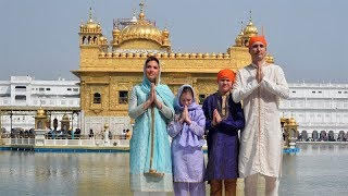 Canadian PM Justin Trudeau visits Golden Temple with his family - TIMESOFINDIACHANNEL