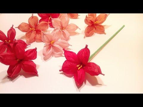 Flor de papel de seda o crespón