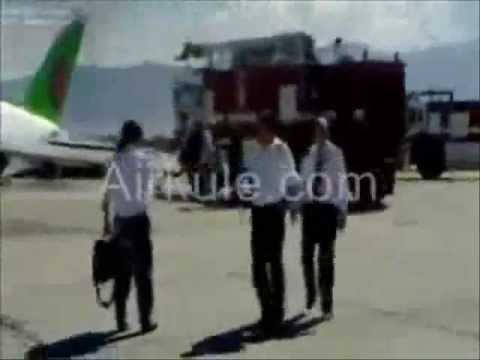 REAL PLANE ACCIDENT - AIRPLANE CRASHES DURING EMERGENCY LANDING - REVISION
