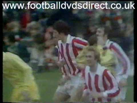 1973 74 Stoke City v Leeds United