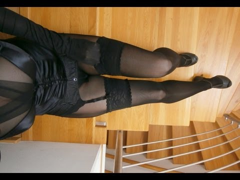 Nylon legs and black encasement