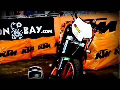 KTM Duke 125 - stunt rider