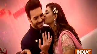 Sanjay & Poonam got engaged in Surat - INDIATV