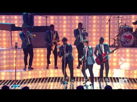 Bruno Mars   Valerie   Tribute to Amy Winehouse MTV Video Music Awards  720p HD