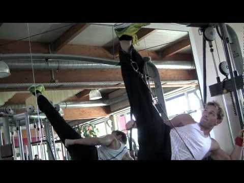 X-Treme Stretch and Kicktraining: Cable-Station