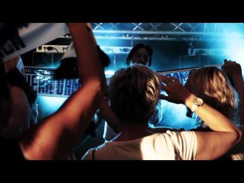 Officiele Videoclip Henk Damen - Morgenvroeg Dan Kus Ik Jou
