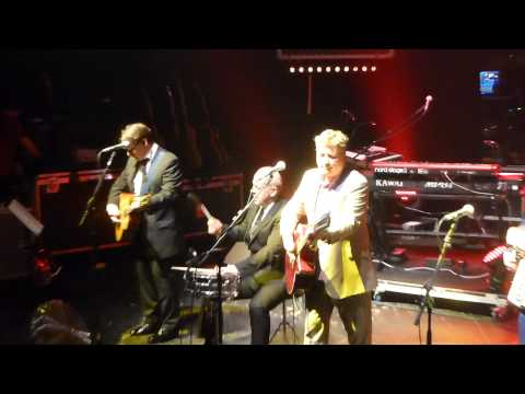 Squeeze - Labelled with love - Bournemouth O2 23 November 2012