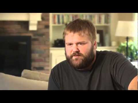 THE WALKING DEAD -- DVD featurette #2 (with Robert Kirkman)