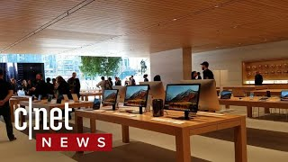 Apple store Chicago walkthrough - CNETTV