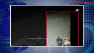 video : पिता ने सरेआम बेटी-दामाद पर किया कातिलाना हमला