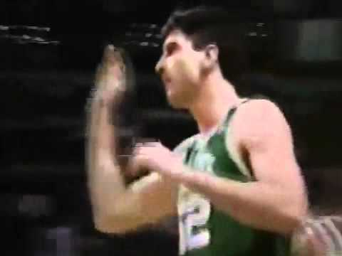 Stojko Vrankovic Hook Shot in 1991 NBA Playoff