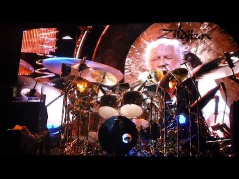 World Turning and Mick Fleetwood Drum Solo - Fleetwood Mac Newark 2013