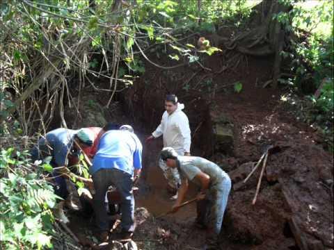 Vìdeo Projeto Água Limpa I e II - Proteção de nascentes solo-cimento.wmv