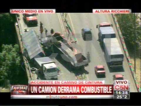 C5N -  TRANSITO: ACCIDENTE ENTRE DOS CAMIONES EN CAMINO DE CINTURA