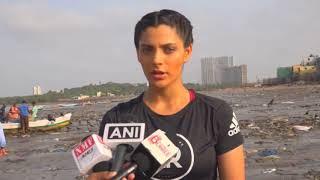 21 May, 2018 - India TV and Bollywood stars clean plastic from Mumbai beach - ANIINDIAFILE