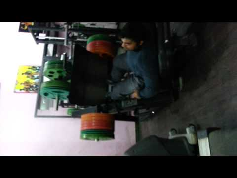 Rajesh Monga Mr lndia leg press warm up set
