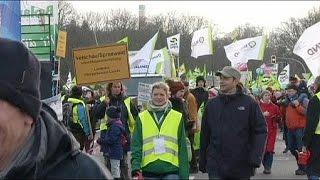 مظاهرات ضد المنتجات الغذائية المعدلة وراثيا بألمانيا