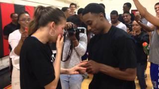 بالفيديو.. طلب زواج مفاجئ غير تقليدي أثناء لعبة كرة السلة