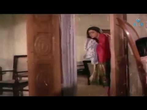 Khaidi No 786 - Chiranjeevi Romance With Bhanupriya