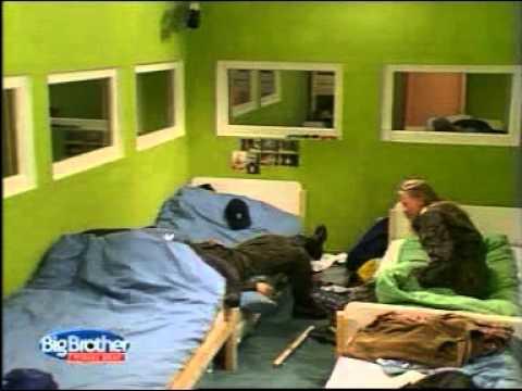 Pierwsza edycja Big Brothera - Manuela rozwala łóżko