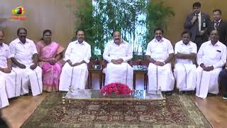 AIADMK Leaders Meet Vice President Venkaiah Naidu And Honours Him In Delhi | Mango News - MANGONEWS