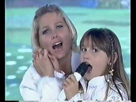 Sasha Meneghel canta Lua de Cristal no Tv Xuxa 2005
