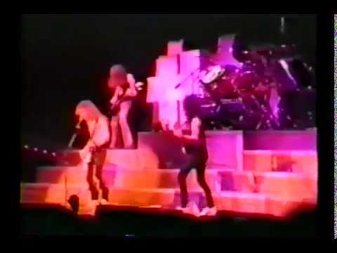 Metallica Full Show @ New York City 1986 (w/ Cliff Burton)