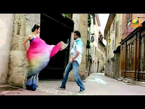 Oosaravelli Songs - Niharika Song - Jr.NTR & Tamanna - YouTube.flv