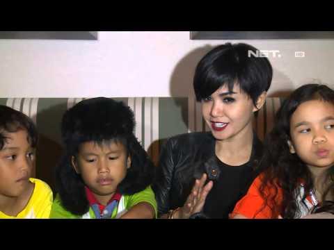 Entertainment News - Yuni Shara nonton film Princess, Bajak Laut dan Alien bareng anak yatim