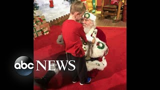 Santa helps blind child experience the magic of Christmas - ABCNEWS