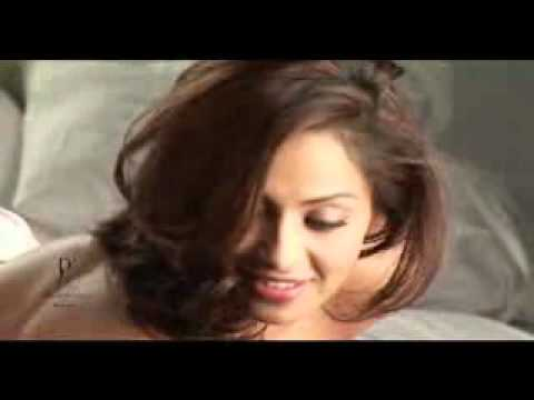 Video - Making Of Dabboo Ratnani Calendar 2011 With Bipasha Basu.flv