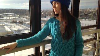 Женский свитер с косами из мохера. Реглан снизу вверх.