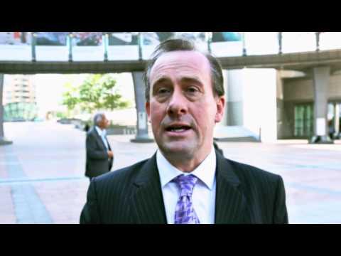 Martin Callanan przeciwko uznaniu e-papierosów za lek
