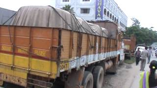 Driver murdered, Copper Stolen from a lorry in Nacharam Police limits - THENEWSWALA