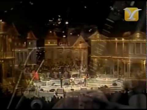 Cristina, Flor de Aromo, Festival de Viña 1983, Competencia Folclórica